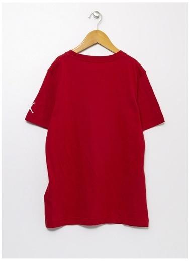 Nike Nike Bisiklet Yaka Kırmızı T-Shirt Kırmızı